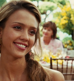 jessicaalba sideboob panties ass tease 02