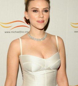 scarlettjohansson redcarpet dress 07