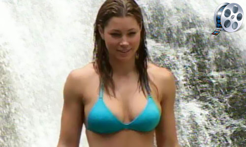 jessica biel shows her breasts